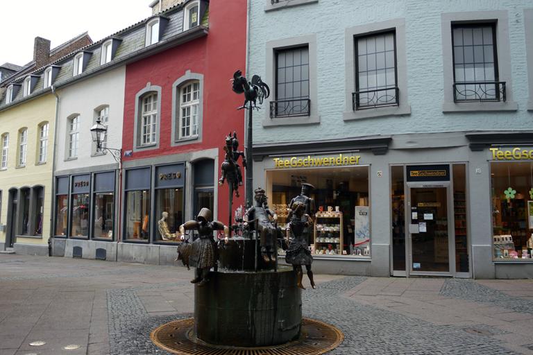 puppenbrunnen-altstadt-aach